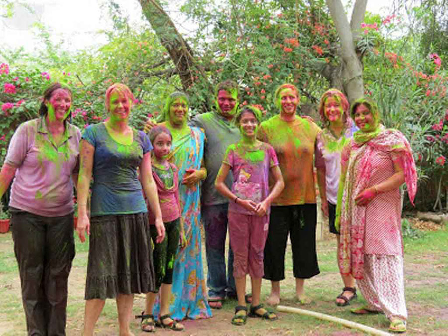festival_of_colors_Holi_india.jpg
